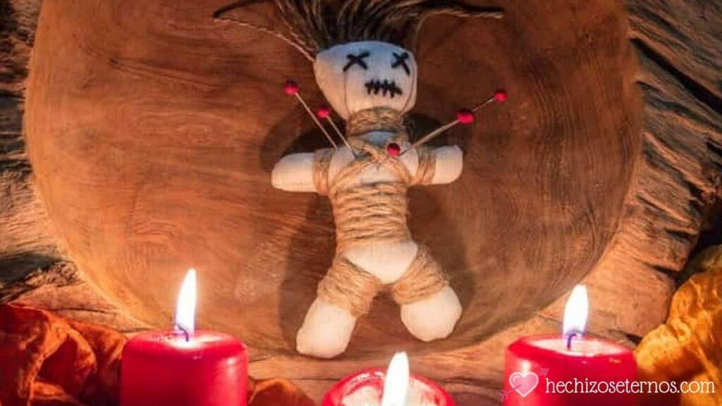 cómo hacer un muñeco vudú